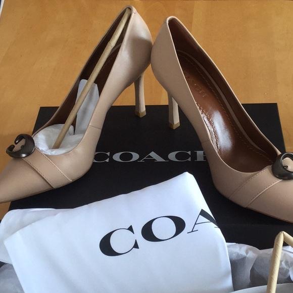 95281e13b9c women s COACH shoes Waverly sz 8.5 color Beechwood